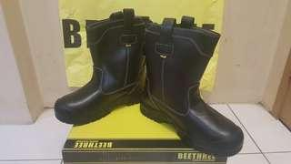 Beethree safety boot high cut