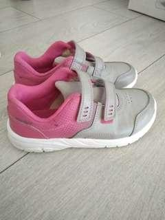 Pink grey sneaker shoes from decathlon