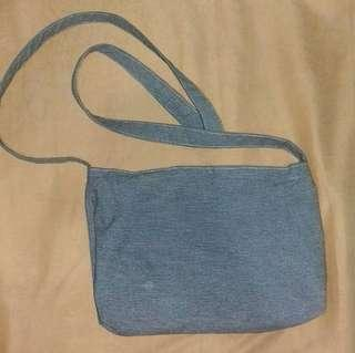 Simple Slingbag (Abu-Abu)