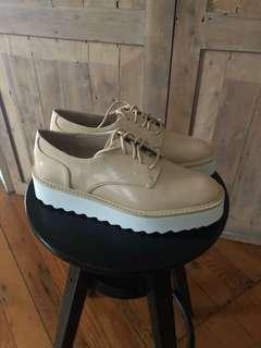 Zara shoes size 35