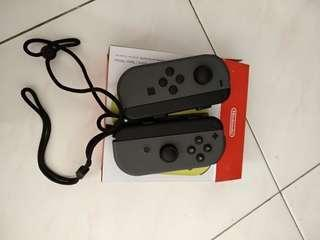 Nintendo switch joy con (one pair grey color ) + 1pair strap (function well)
