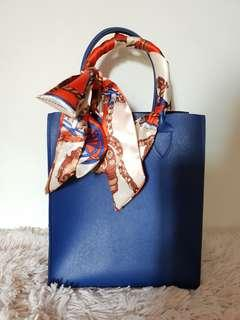 Faux leather handbag with Twilly handle