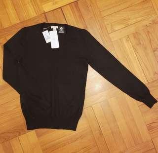 👍全新 Bossini Ladies 黑色純羊毛v領冷衫