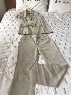 Blazer dan Celana Kerja
