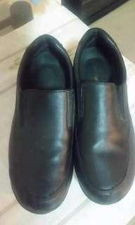 Nursing black shoes non slip