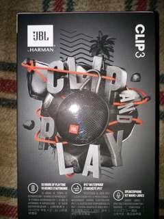 JBL clip speaker black
