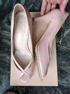🚚 低跟鞋