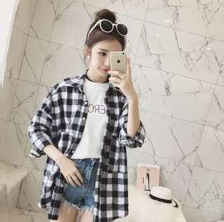 🚚 韓版寬鬆黑白格子襯衫外套