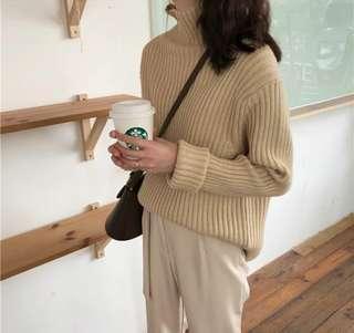 基礎坑條紋高領針織毛衣