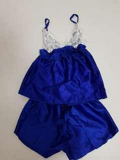Satin lace sleepwear set - M