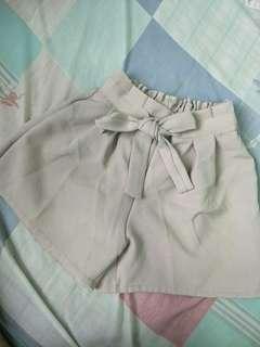 Beige Ribbon Shorts