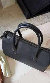 Raoul black tote leather bag
