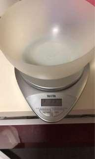 Used kitchen weighing scale