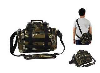 Tas Selempang / waist bag army. 20 x 21 x 9 cm. Cordura. Barang dijamin sesuai gambar. Idr 85000