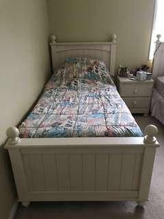 Cream twin poster bed + boxspring (3 available!)