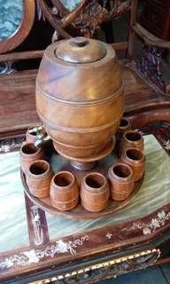 (舊式)古舊西洋酒壺茶杯(榆木)$500