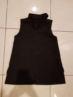 V neck crop top black