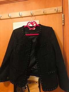 黑色短身外套 加大碼