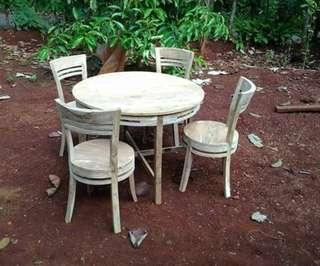 Meja makan bulat MMB41 jati