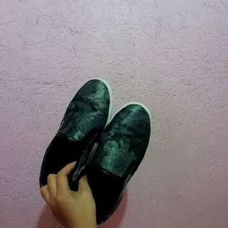 Zalora Slip on Sneakers