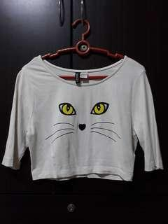 🚚 White Cat Face Graphic Half Sleeve Crop Top