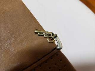 金色 手槍型耳環 1隻 (包郵)