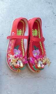 中式草底褂鞋