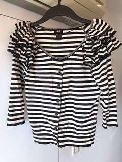 🚚 H&M條紋針織外套。層層蛋糕波浪美肩造型💖超吸睛💖