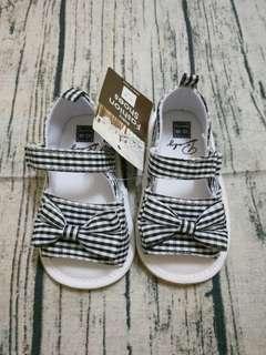🚚 寶寶學步鞋格子軟底涼鞋(12M~18M)