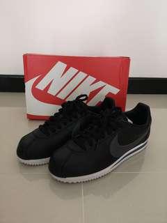 50d3d1ec4a9 Nike Classic Cortez Leather
