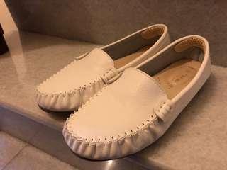 🚚 全新 新富發 小白鞋 25.5 氣墊 超柔軟