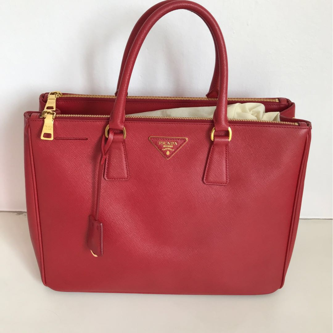 6461eccacba3 ... cheap discount bn1786 prada saffiano bag in fuoco luxury bags wallets  handbags on carousell a836f 7edae