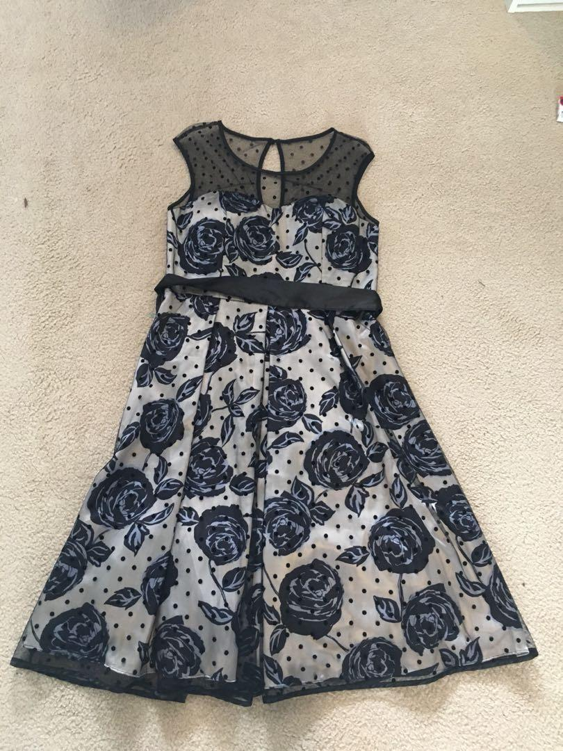 Designer boutique size 10 dress lace formal