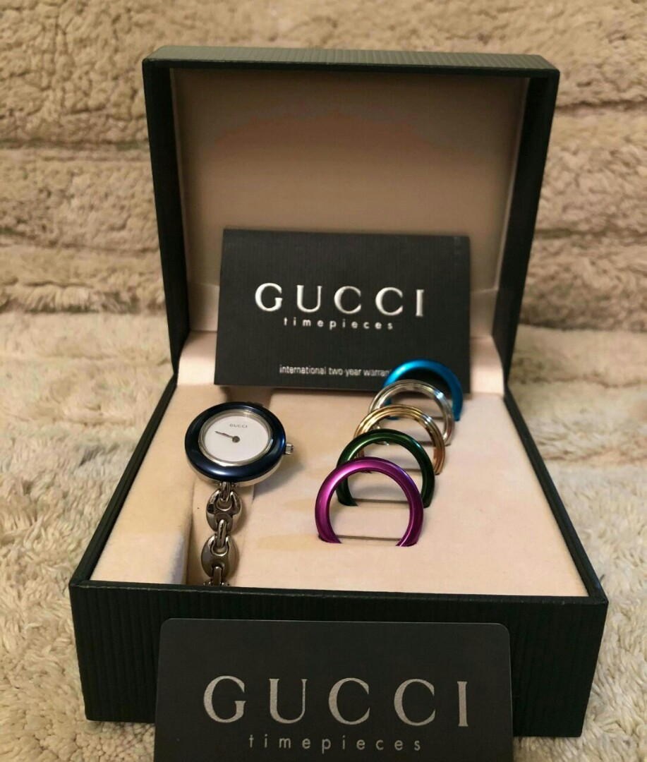 3d9a7dbaa63 GUCCI Stainless steel bangle watch