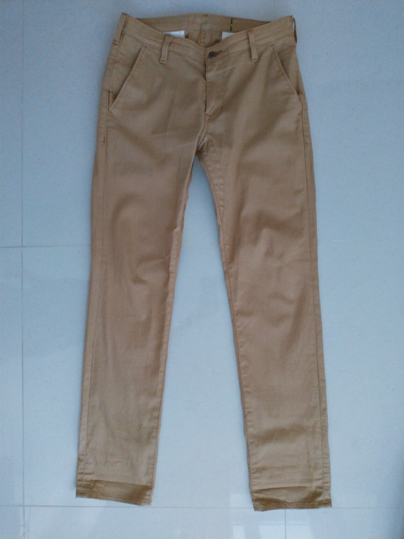 42b57497456 Levis Pants, Men's Fashion, Clothes, Bottoms on Carousell