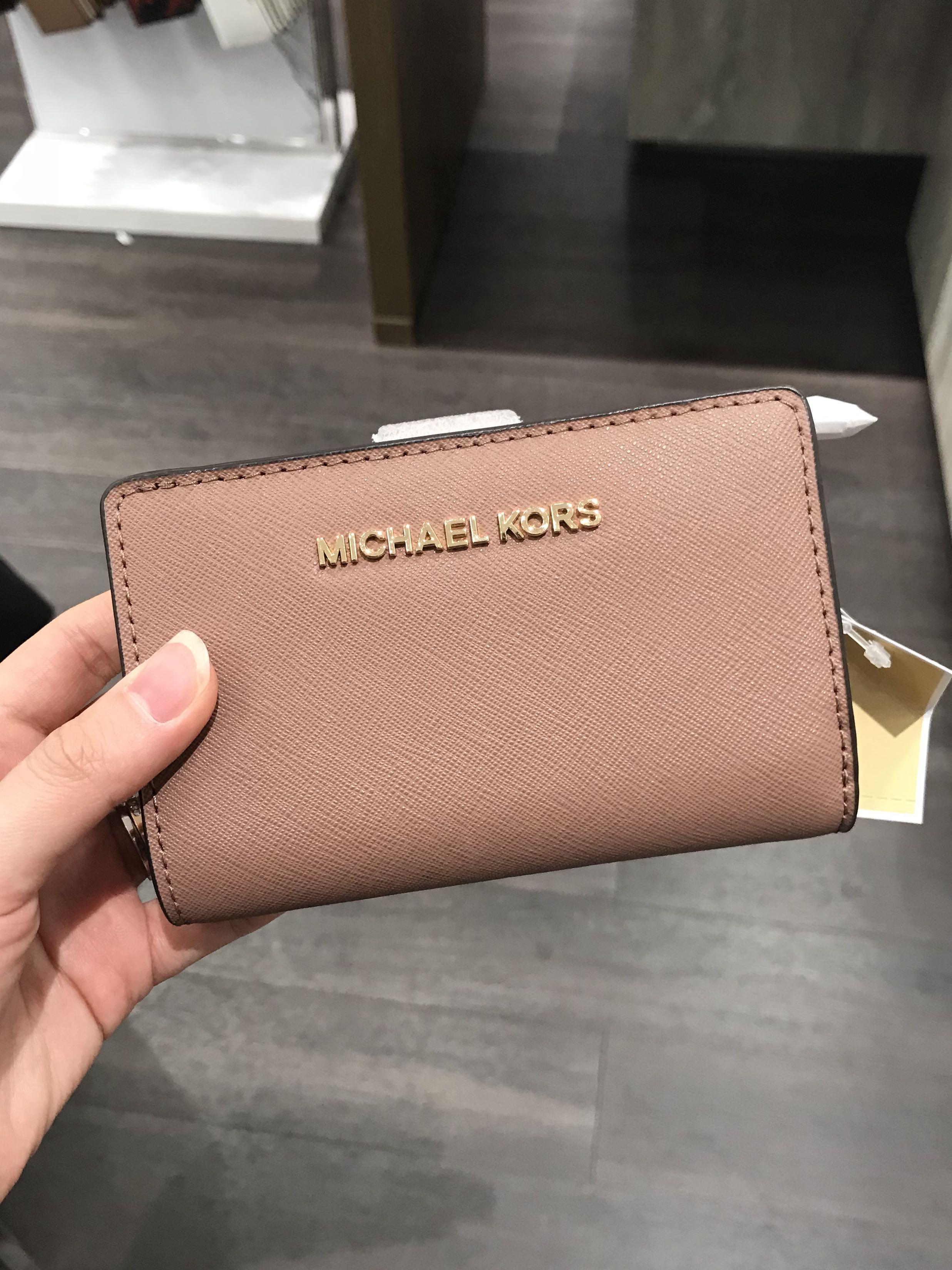 c9d8ea0131facf Michael Kors Jet Set Travel Bifold Wallet Dusty Rose, Women's Fashion, Bags  & Wallets, Wallets on Carousell