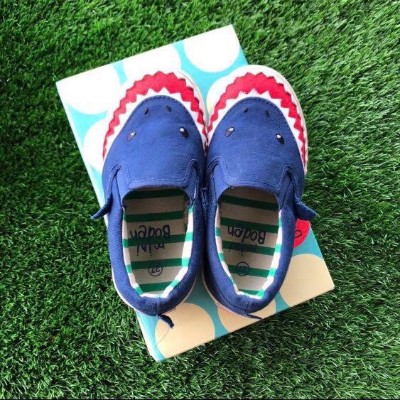 828afaeca95 Mini Boden Shark Shoes