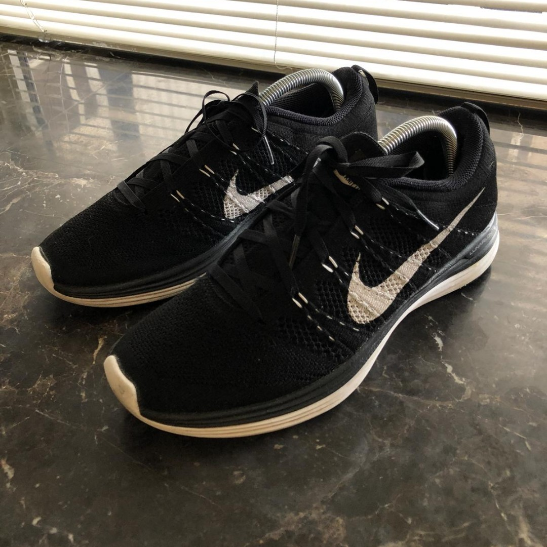 detailed look 96fcb 1c14e ... amazon nike flyknit lunar 1 black white mens fashion footwear sneakers  on carousell bc5dc f336f