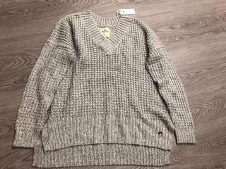 Hollister Top 針織 V領 或 圓領 灰色 冷上衣