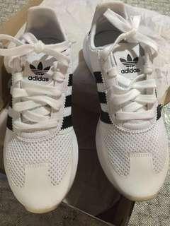 🚚 Adidas Original FLB Womens