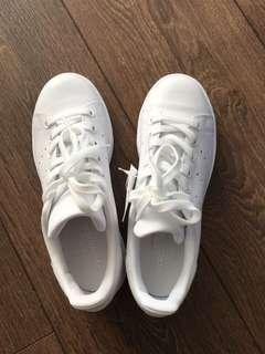 BNIB Adidas Stan Smith All white Womens Size 6