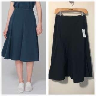 BNWT Uniqlo XS Black Seersucker Flare Skirt