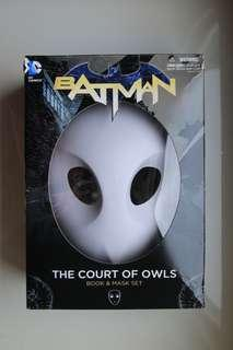 Batman: The Court of Owls Book & Mask Set