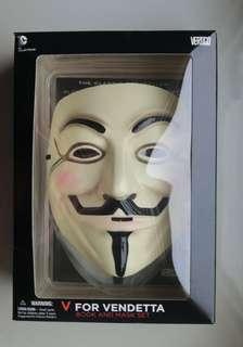 V for Vendetta Book & Mask Set