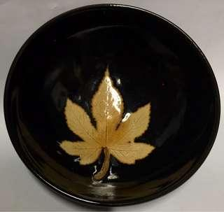 黑釉楓葉圖碗