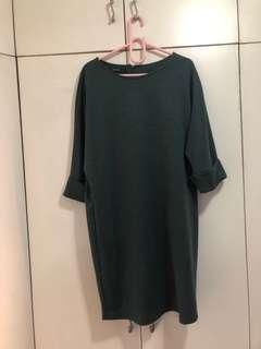 Sm woman green dress medium (L)