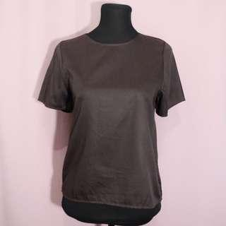 Brown basic top