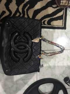 """Repriced!! """"Chanel"""" Large chain bag"""