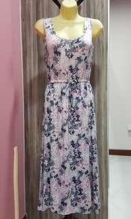 Brand new Maternity Nursing Dress in Floral Purple Stetchy Free size dress