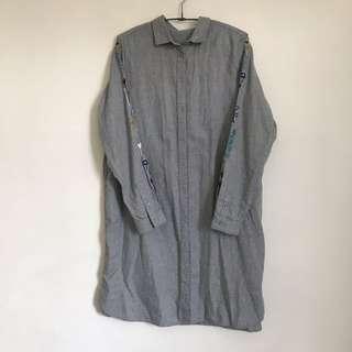 🚚 刺繡長版襯衫灰
